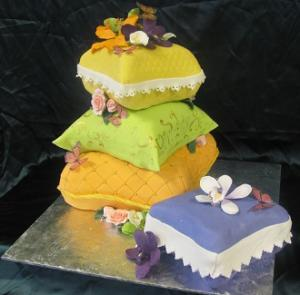 COLORFULPILLOWCAKE